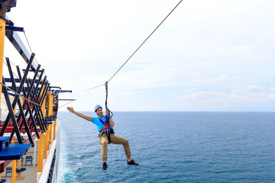 Ropes%20Course_Zip%20Line_Male_1.jpg?1503049116