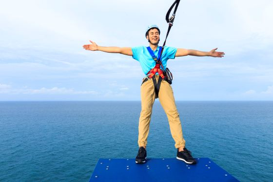 Ropes%20Course_Zip%20Line_Male_2.jpg?1503049116