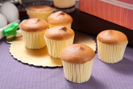 造型蛋糕:经典黄色小鸭七吋蛋糕/团团圆圆猫熊七吋蛋糕/超可爱粉红猪