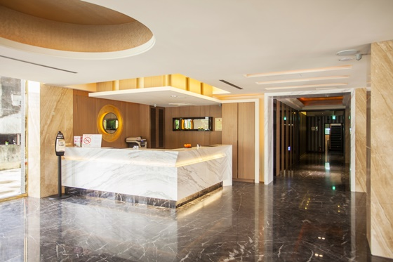 2013年全新开幕,规划约有一百间大、小装潢高雅的精致套房,高清图片