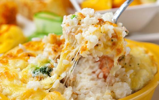 焗烤海鲜饭/法式焗烤拼盘/法式培烧里肌三明治(3选1) 泰式海鲜凉面图片