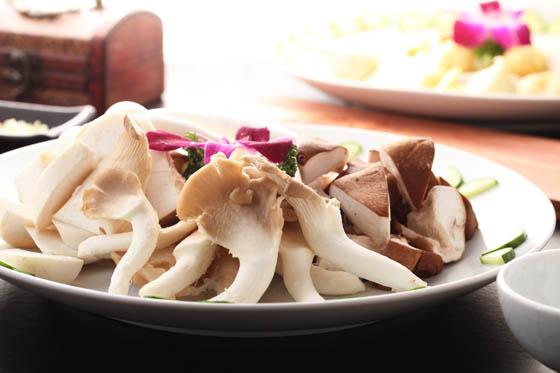 ◤ 海鲜类 ◢ ●海鲜拼盘       ◤ 重庆风味