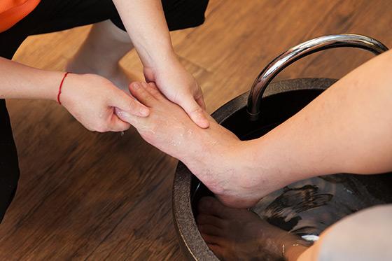 肩颈舒压 专业老师父脚底按摩(至小腿) 捶脚 热毛巾热覆