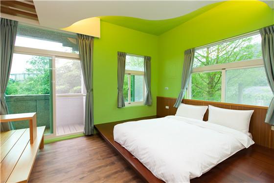【骑迹民宿】是结合活动型的优质民宿,拥有套房,雅房,和室通铺等