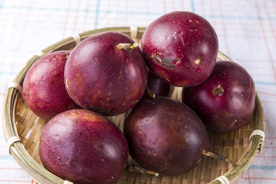 埔里/鮮採蜜汁百香果/百香果/水果
