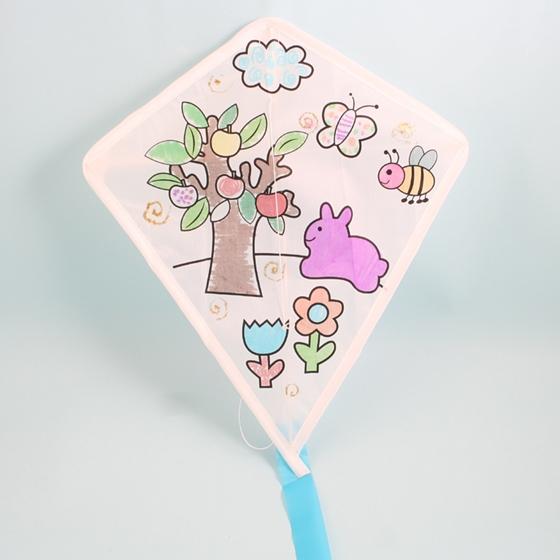 商品款式: 商品规格   品名:儿童diy手绘菱形飘飘风筝   材料:diy自制