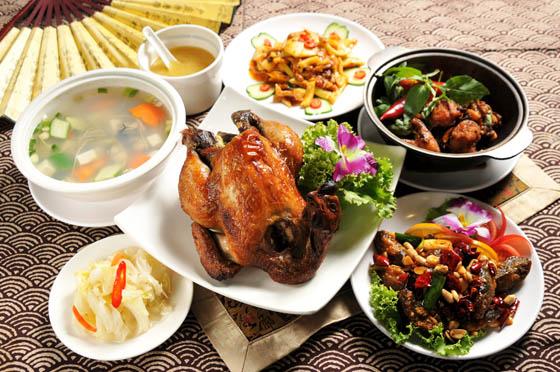 炫庄/桶仔雞/海產/宮保皮蛋/三杯魚/蚵仔湯
