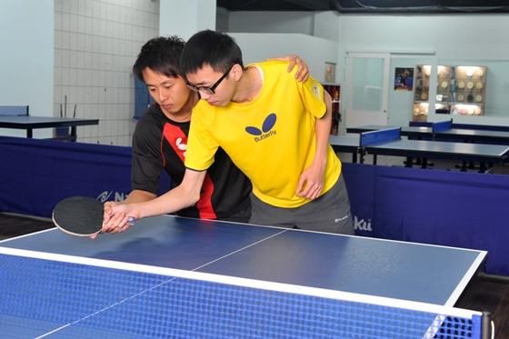巨城乒乓-球来就打-国家级教练一对一训练,桌球苦手也
