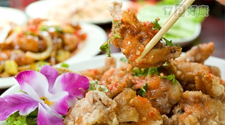 肉丝炒饭/火腿炒饭/虾仁炒饭/海鲜炒饭/海鲜炒面/什锦炒米粉(6选2)