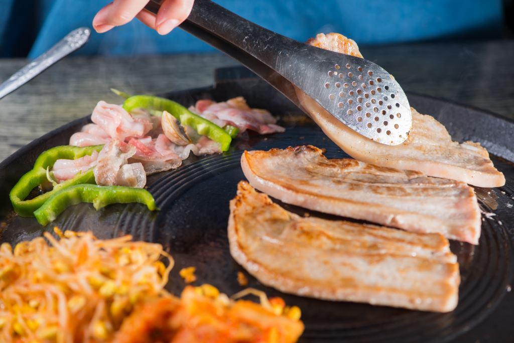 Hello BBQ韓肉/韓國烤肉/烤肉/韓式料理/石鍋拌飯/煎餅