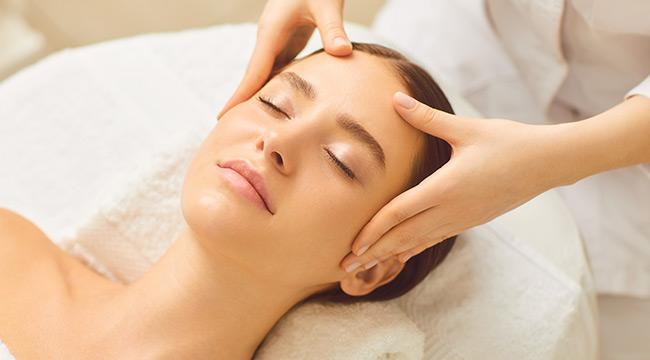 La Pure Spa-舒活放鬆按摩/水百合潤澤醒膚保養