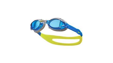 NIKE SWIM 訓練型兒童泳鏡-抗UV 防霧 蛙鏡 游泳 戲水 海邊 沙灘 藍灰芥末綠@NESSA188-400@